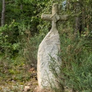old stone cross - billanges